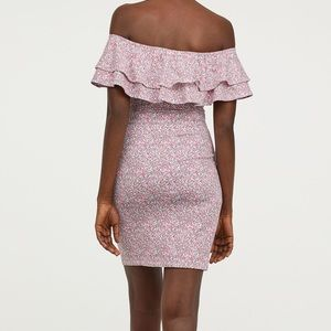 H&M ruffle Off-The-Shoulder Fitted Floral Dress